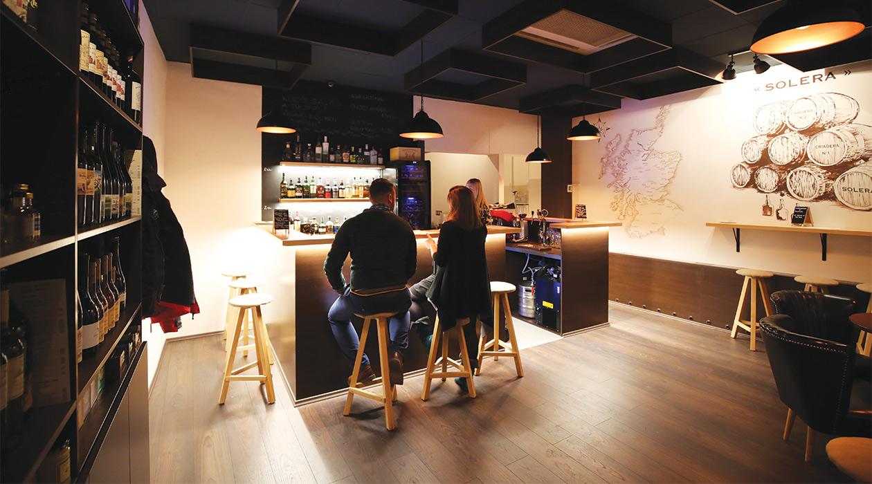 Teszteltük: 19 Bar & Shop
