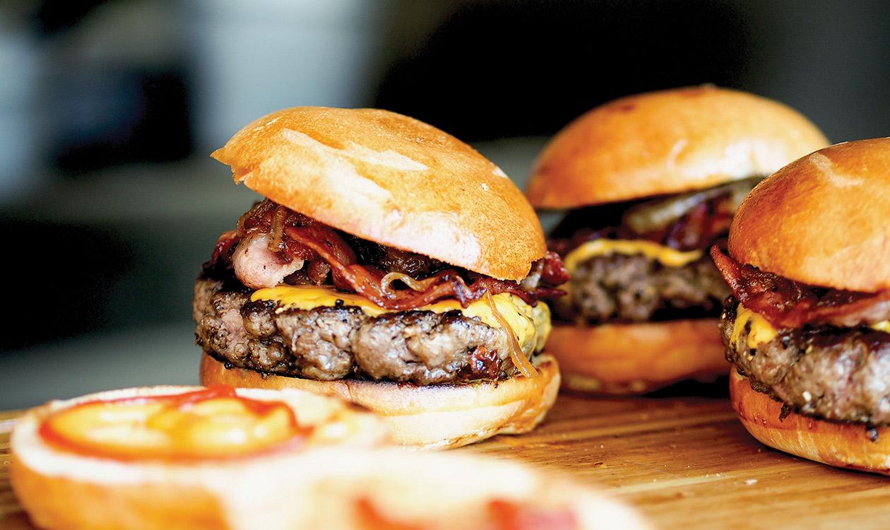 Enni borral 3. – burger és bor