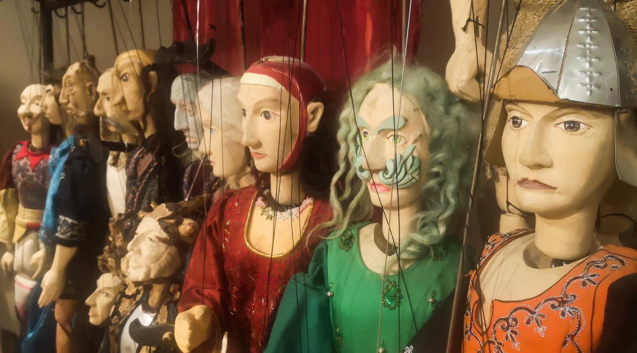 Szász Zsolt bábművész kiállítása