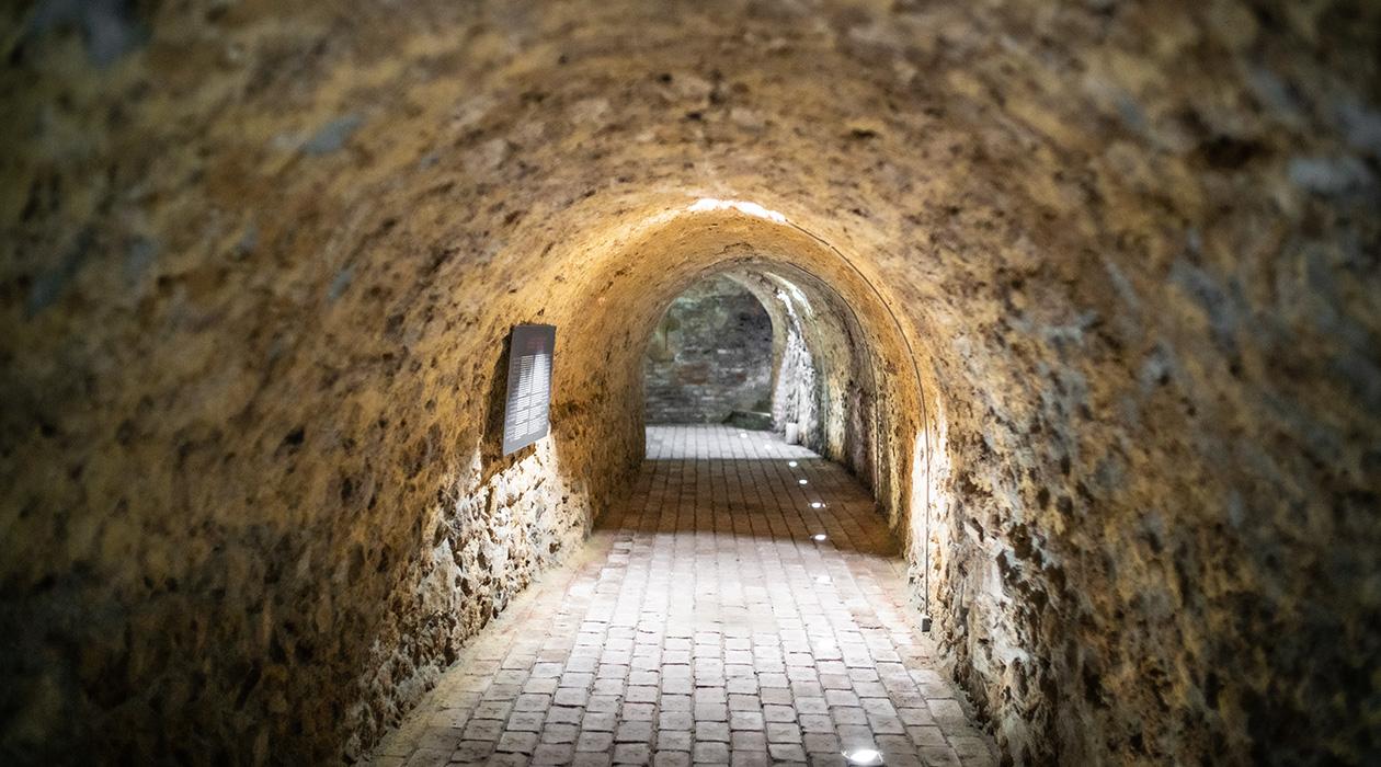Titkos alagút – földalatti egyház